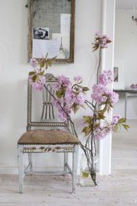 Breng kleur in je huis met vrolijk gekleurde (nep)bloemen